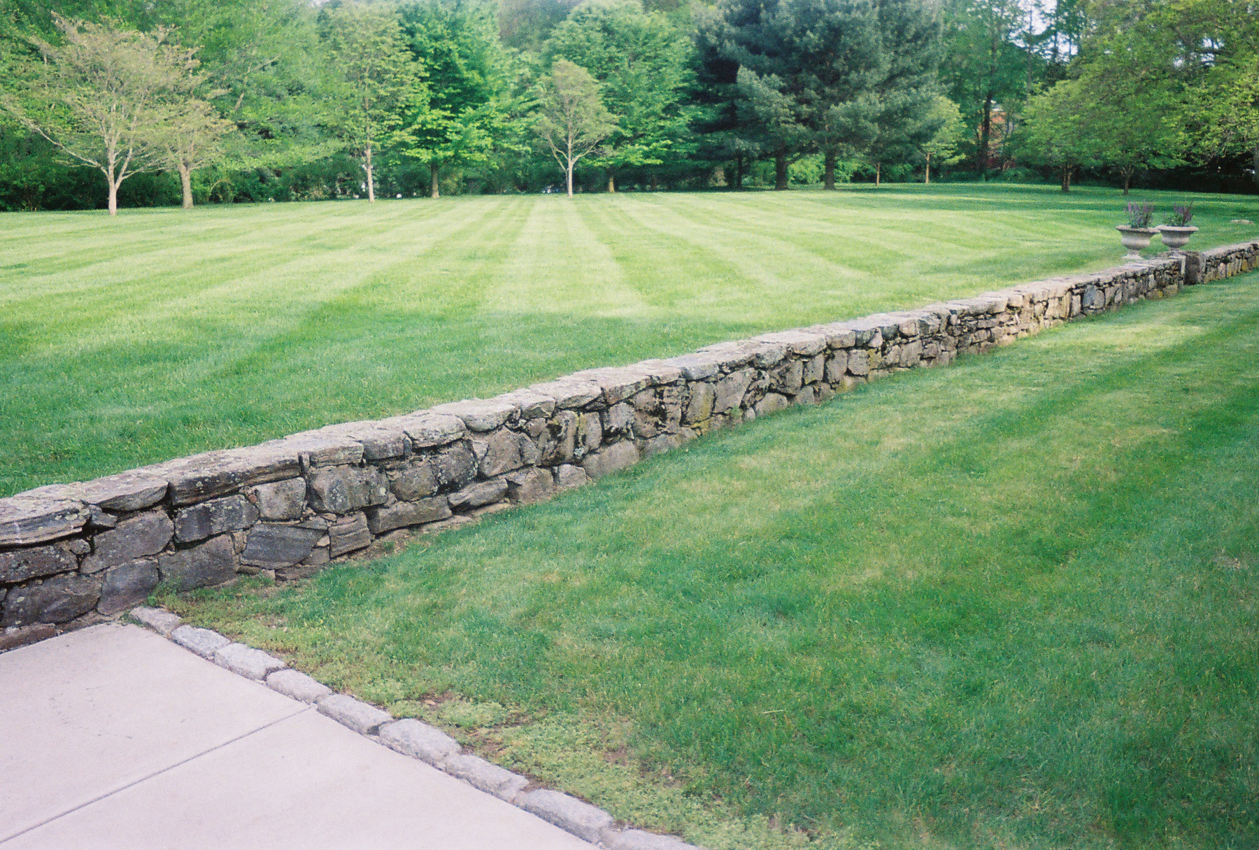 Giroux landscaping and lawn care 2016 best choice lawn care property maintenance sciox Image collections